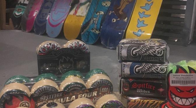 Spitfire!Krooked!Real Skateboards!